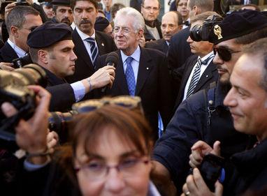 Automobilisti in crisi: in due anni aumenti del 30% sulle assicurazioni, serve Mario Monti