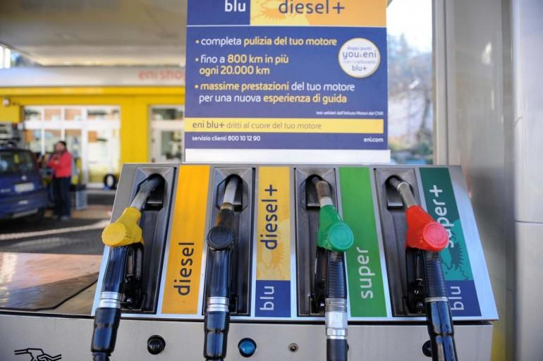 Aumento della benzina +3% e prezzo gasolio +3,6%, siamo di nuovo in deflazione?