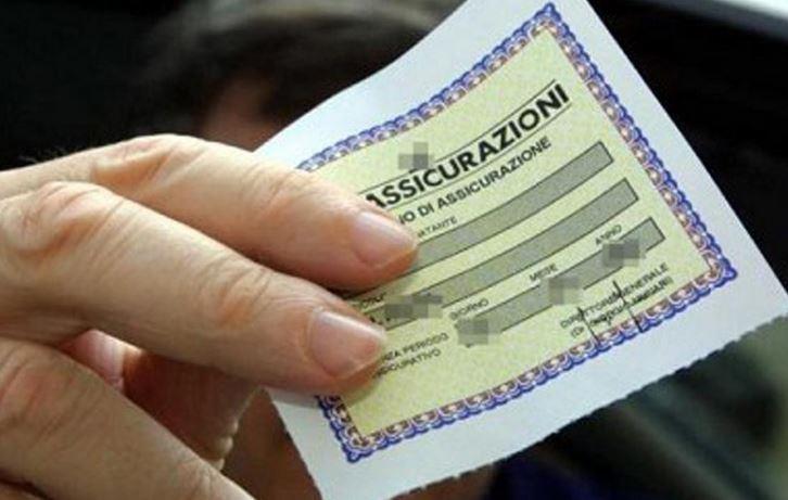 Polizze assicurative scontate, ma era una truffa 2 arresti e 50 denunce