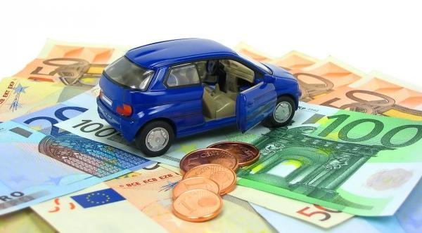 assicurazioni auto, prezzi in calo nel 2016